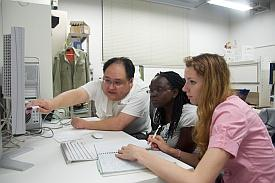 AIMR researchers supervised summer school participants in various laboratory sessions
