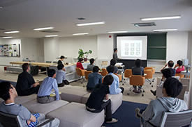 The Mathematics Collaboration Unit organizes joint seminars at which materials scientists and mathematicians can interact to benefit from each other's expertise.