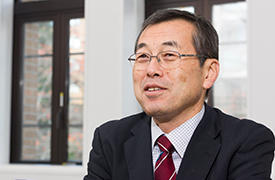 IMRAM's director, Atsushi Muramatsu, wants both to attract researchers from around the world to come to Tohoku University and to encourage Japanese scientists to be active overseas.