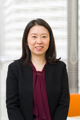 Ayumi Hirano-Iwata started her research life as an analytical chemist but is now doing research that straddles microfabrication, biomaterials, chemistry, electronic engineering, neuroscience and physiology.